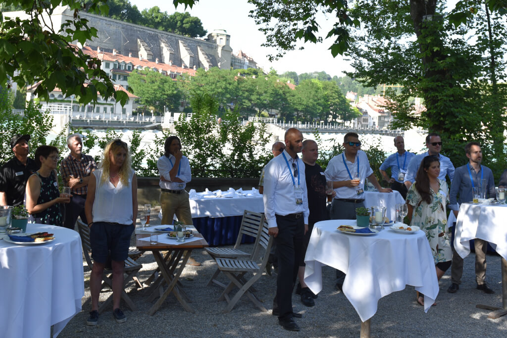 Newsroom Networking an der Aare: Branchenaustausch in Bern FROX AG