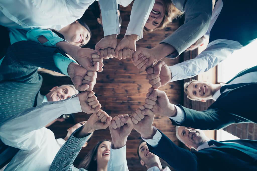Blog Pressemitteilung: strategische Partnerschaft von AXON Ivy und FROX AG